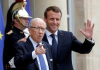 Макрон прервет отпуск, чтобы присутствовать на похоронах президента Туниса