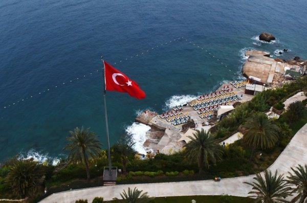 Россиян призвали проявлять осторожность на отдыхе в Турции.