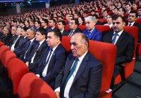 В Таджикистане неграмотных чиновников отправят на исправительные работы