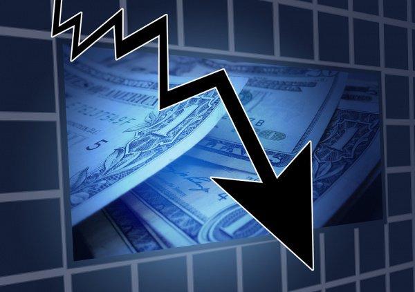 Причина непрерывного обнищания - господствующая в мире экономическая схема, основанная на взимании ростовщического процента.