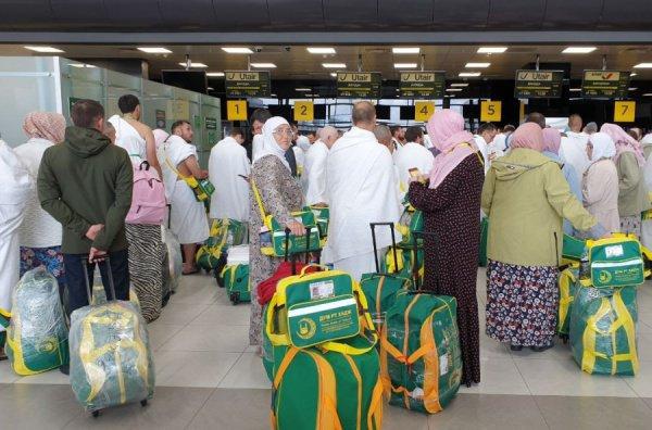 Очередная группа татарстанских паломников отправилась в Саудовскую Аравию.
