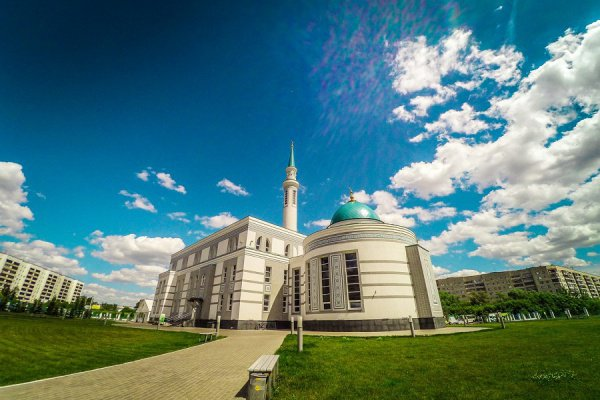 """К мечети """"Ярдэм"""" готовятся к Курбан-байрам."""