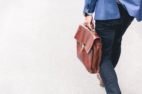 Порядка 24% опрошенных сообщили, что они никогда не имели рабочего места