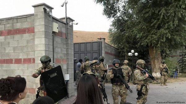 Спецназ не смог задержать Атамбаева.