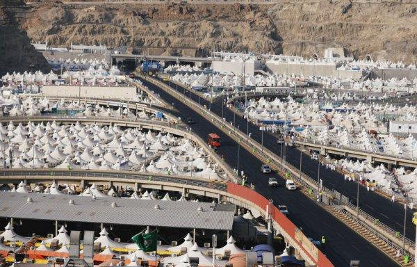 Паломники со всего мира готовятся к обрядам Хаджа.