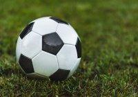 Футболист-мусульманин исполнил мечту двух маленьких фанатов