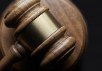 Адвокат: Атамбаеву предъявили 14 обвинений