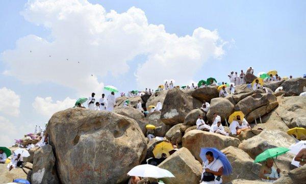 Паломники на горе Арафат (Фото: REUTERS/Waleed Ali)