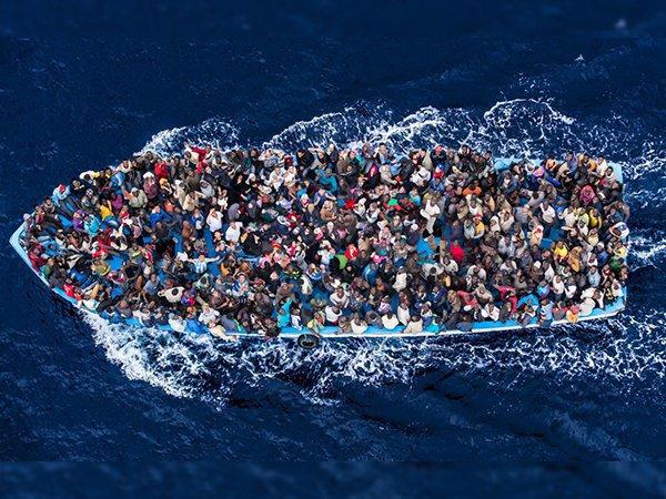 Поток нелегальной миграции в Италию за год снизился на 90%