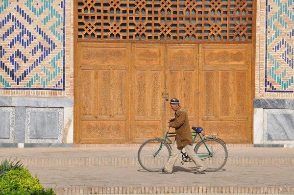 Гражданам Узбекистана, работающим за границей, предполагается выделить в общей сложности 3462 квартир