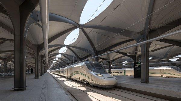 Как путешествуют паломники на знаменитом поезде из Мекки в Медину