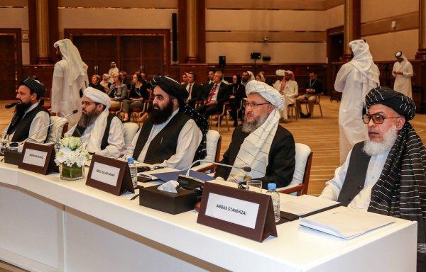 Талибы и США продолжают переговорный процесс в Дохе.
