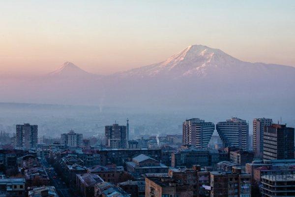 Наиболее популярным направлением оказалась Армения — туда было забронировано свыше 10% всех билетов за границу