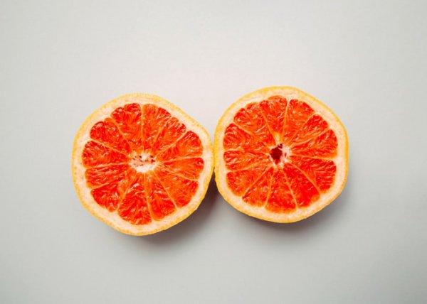 Грейпфрут размером с баскетбольный мяч побил сразу 2 рекорда - по весу и по диаметру