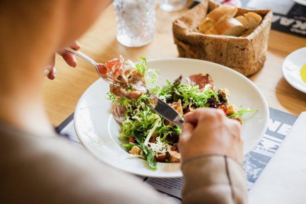 Человек должен получить из пищи около 170 химических соединений