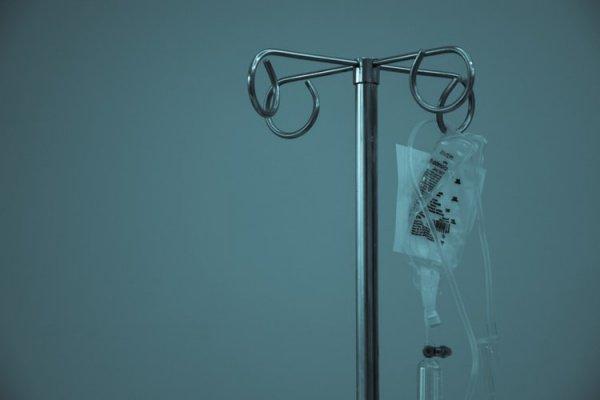 Бронхоскопия выявила, что в трахее ребенка засел живой паразит