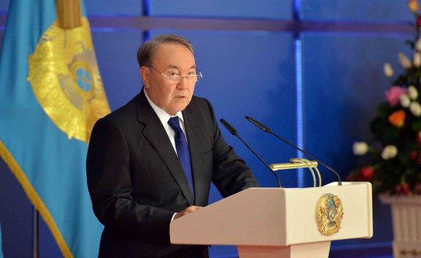 Нурсултан Назарбаев выступил за жесткий контроль ядерного оружия.