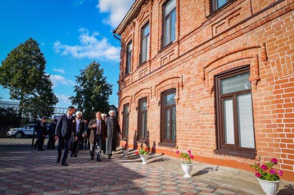 Президент и муфтий Татарстана посетили досугово-развивающий центр «Камалия» в Чистополе