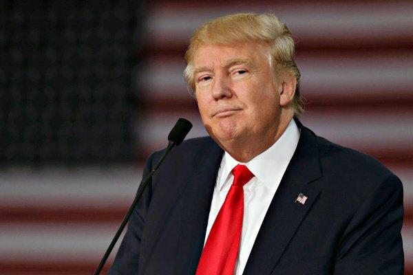 Трамп инициировал введение новых санкций против Ирана.