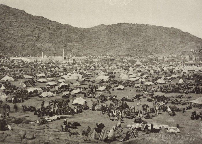 Таинственный фотограф-мусульманин, сделавший первые фото Каабы и Мекки в истории