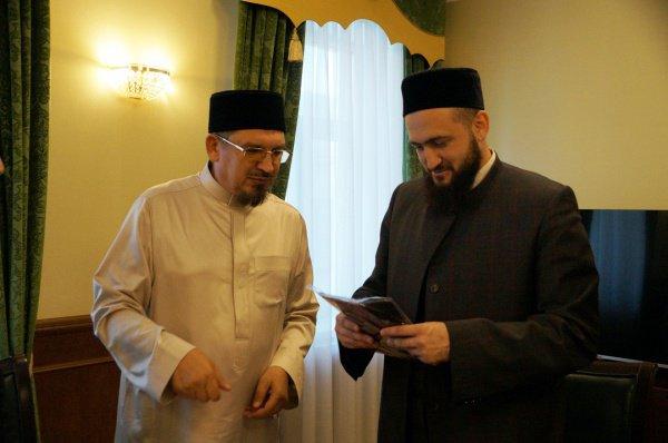 Муфтии Татарстана и Саратовской области на встрече в ДУМ РТ.
