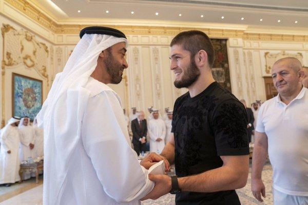 Фото со встречи в Абу-Даби.