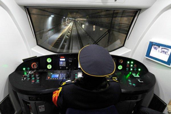 В Московском метро появятся женщины-машинисты.