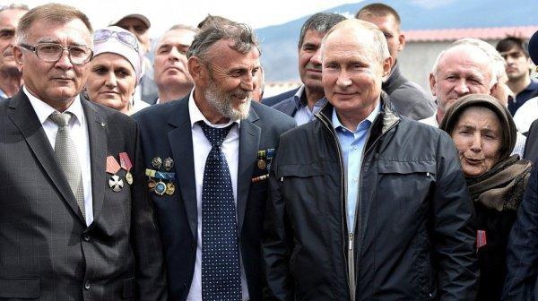 Владимир Путин побывал в дагестанском селе Ботлих.