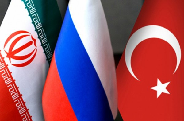 В Тегеране отметили максимальный уровень взаимоотношений с Москвой и Анкарой.