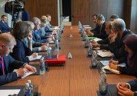 СМИ: Москва и Дамаск согласовали состав Конституционного комитета Сирии