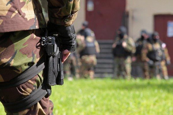 Силовики нашли террористов в 17 регионах России.
