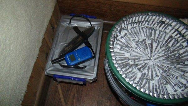 Обнаруженное у боевиков самодельное взрывное устройство.