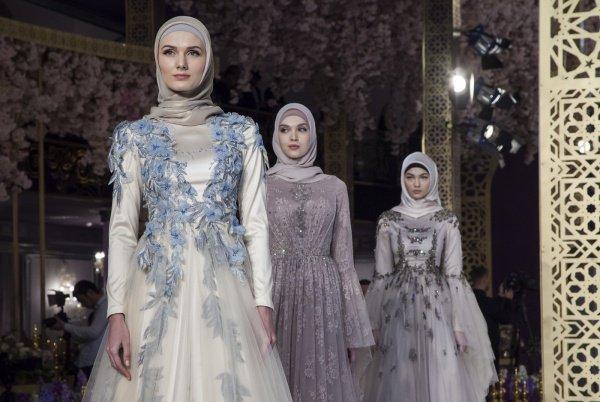 Модный дом специализируется на создании нарядов для мусульманок.