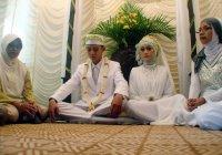 В Индонезии хотят признать преступлением добрачные отношения
