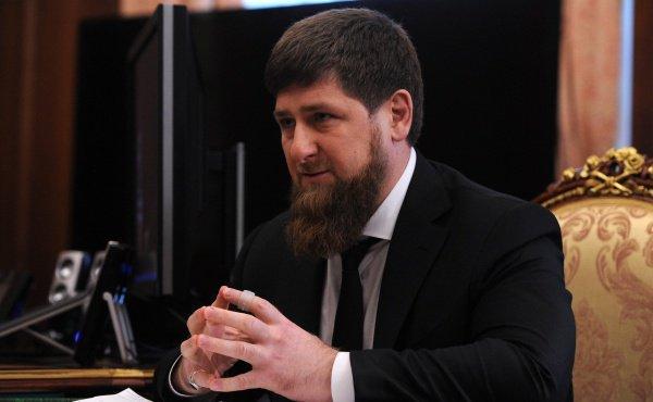 Рамзан Кадыров пообещал запретить в Чечне вейпы.