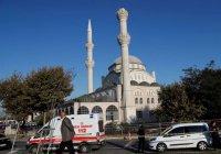 Опубликовано видео обрушения минарета мечети при землетрясении в Стамбуле
