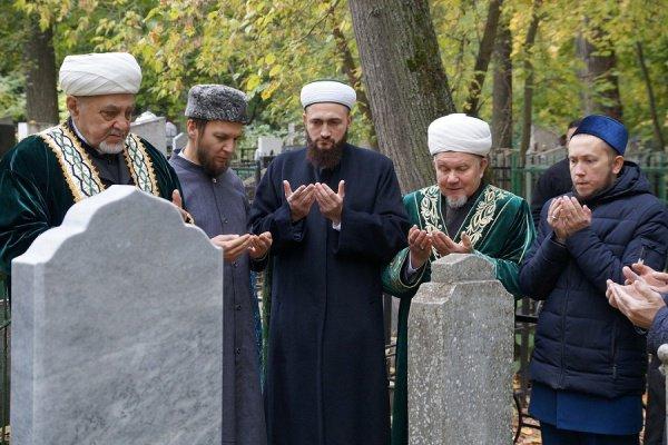 Религиозные деятели почтили память Шайхульислама аль-Хамиди.