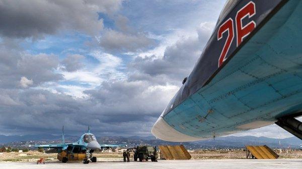 Российская авиабаза Хмеймим регулярно оказывается объектом атак.