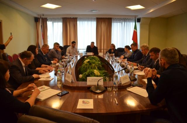 Круглый стол «Сохранение этнической культуры народов Дагестана в XXI веке».