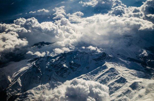 Предполагается, что маленькие ледники на Западном Кавказе к 2050 году исчезнут, а большие существенно сократятся