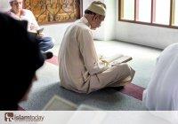 Эти люди читают Коран, но он их проклинает