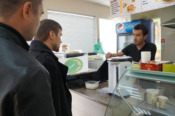 Специалисты ДУМ РТ проверяют казанские кафе.