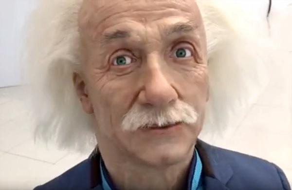 При этом «лицо» андроида воспроизводит больше 600 вариантов человеческой микромимики (Фото: Youtube)