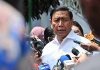 В Индонезии совершено покушение на министра безопасности