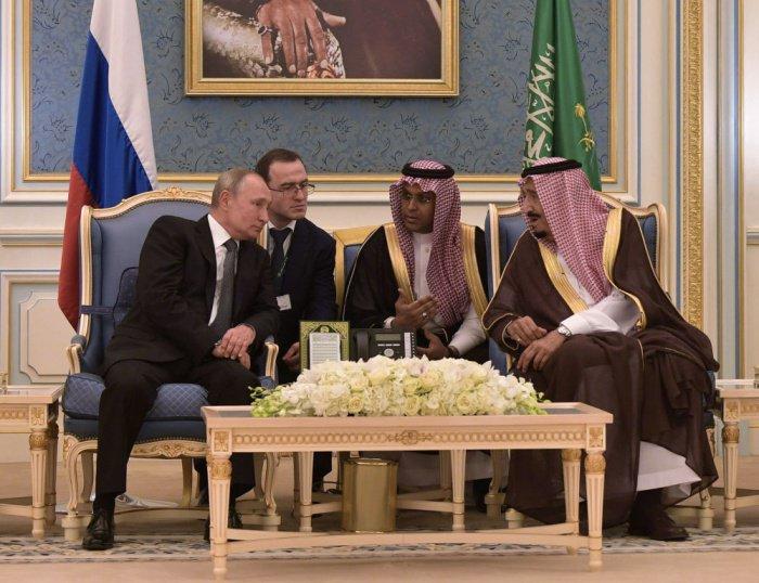 Владимир Путин и король Салман на переговорах в Эр-Рияде.