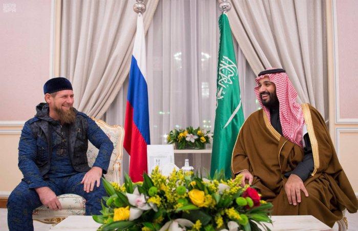 Кадыров и Мухаммед бен Салман на встрече в Эр-Рияде в 2016 году.