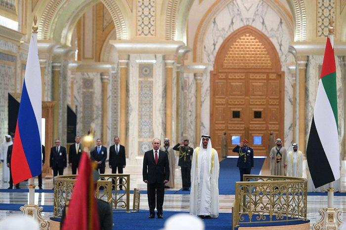 Путин и аль-Нахайян в королевском дворце в Абу-Даби.