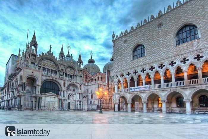 Исламские мотивы в Венеции. (Источник фото: http://shidtur.com.ua)