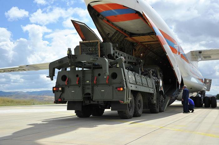 Поставки российских ЗРК Анкаре начались в середине июля.