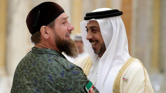 Кадыров 14-15 октября посетил Саудовскую Аравию и ОАЭ в составе делегации РФ.